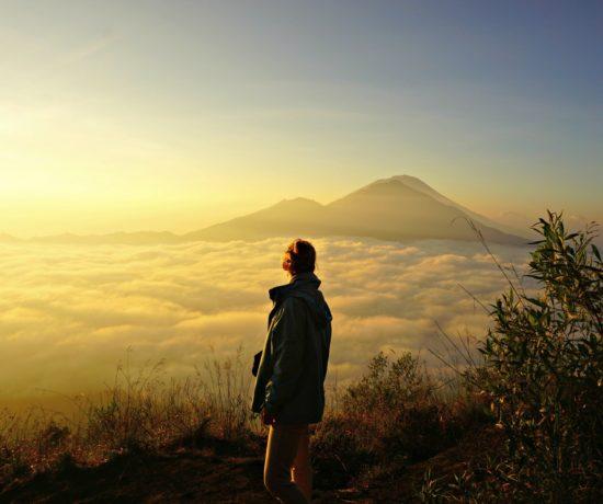 Sunrise on Mount Batur Volcano / Wschód słońca na wulkanie